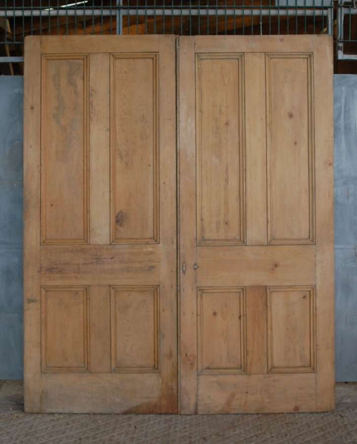 DP0289 PAIR OF RECLAIMED 4 PANEL VICTORIAN PINE INTERNAL DOORS