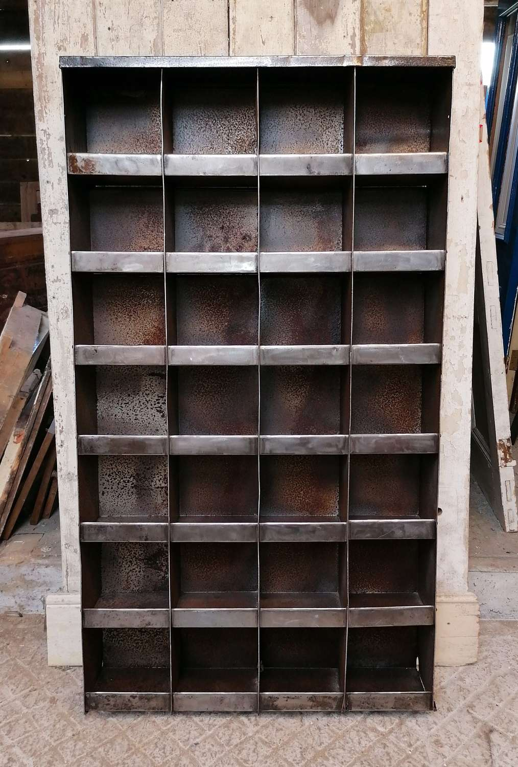 M1396 INDUSTRIAL VINTAGE METAL STORAGE UNIT/CUBBY/SHOE RACK/DISPLAY