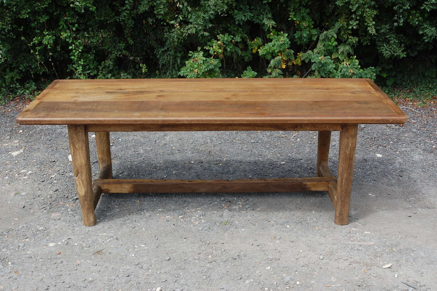M1395 RUSTIC 8 SEATER DINING TABLE MADE USING RECLAIMED OAK