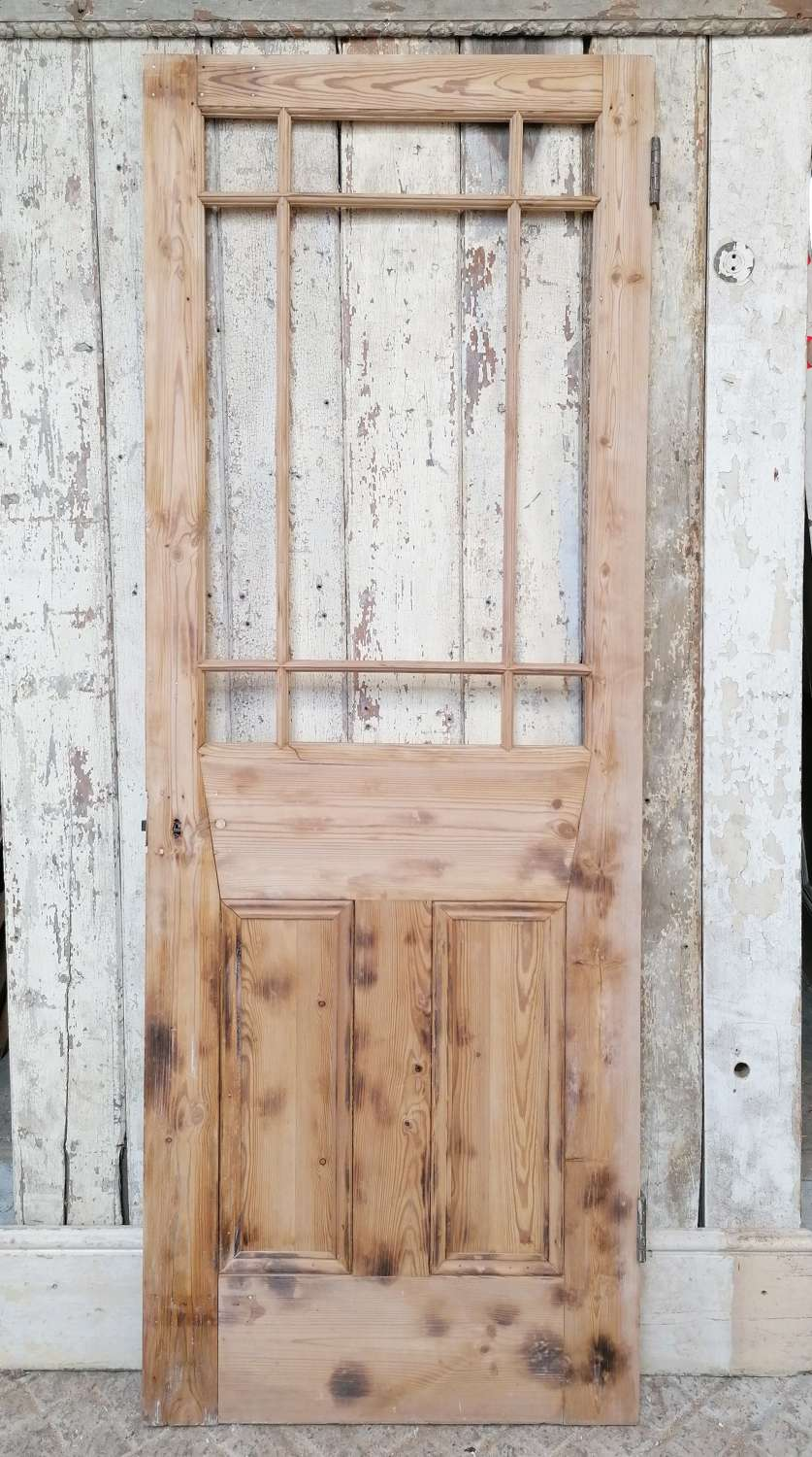 DI0715 A SMALL RECLAIMED VICTORIAN PINE CARDIFF DOOR