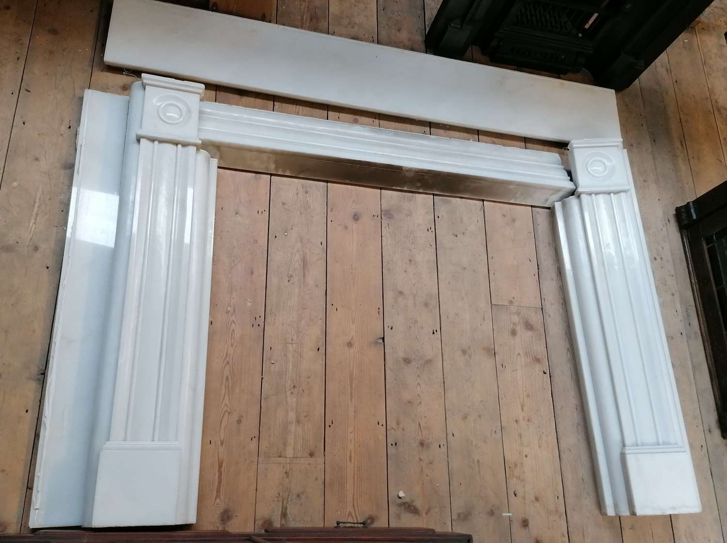 FS0121 A REPRODUCTION RECLAIMED LARGE WHITE MARBLE FIRE SURROUND