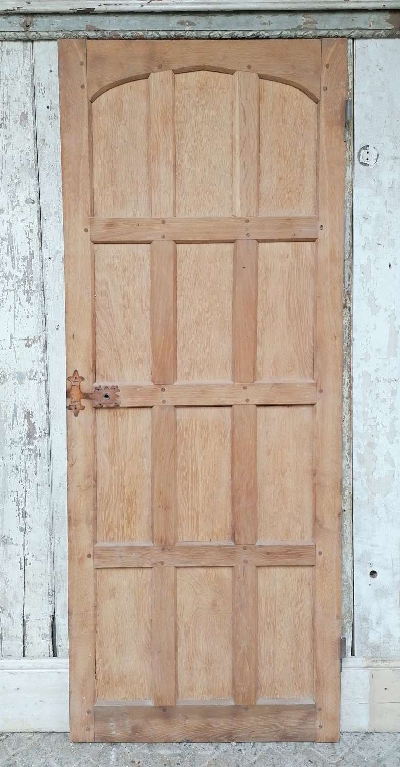 DI0716 A RECLAIMED BARE OAK GOTHIC STYLE INTERNAL DOOR
