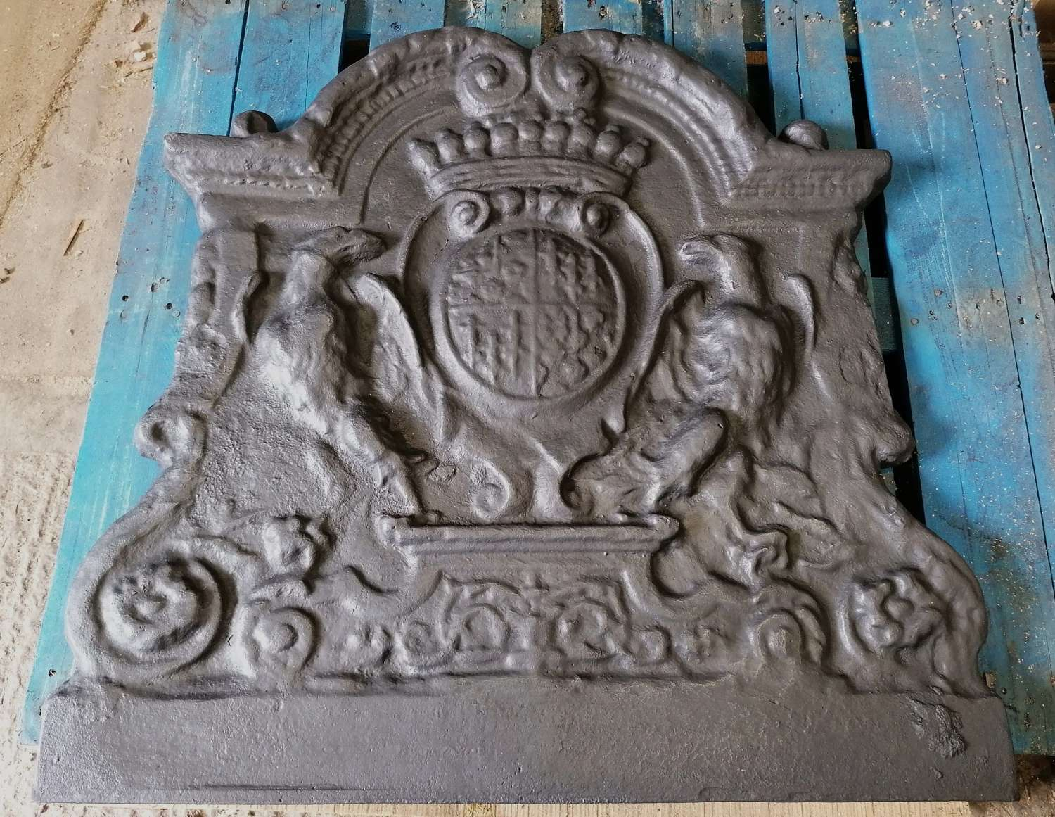 FB0052 A VERY LARGE RECLAIMED REPRODUCTION CAST IRON FIRE BACK