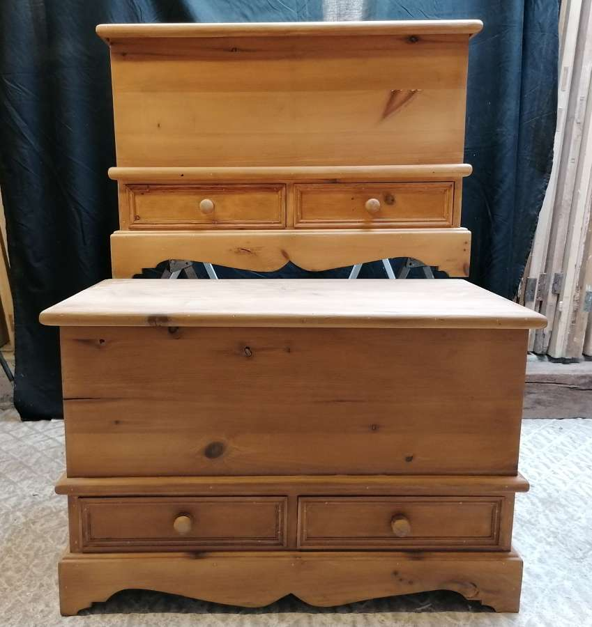 M1407 A PAIR OF RECLAIMED BEDROOM BLANKET BOXES / TRUNKS / CHESTS