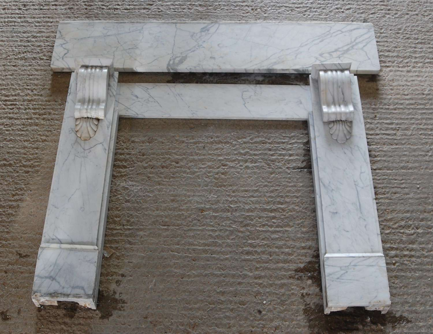 FS0127 A LARGE ANTIQUE VICTORIAN CARRARA MARBLE FIRE SURROUND