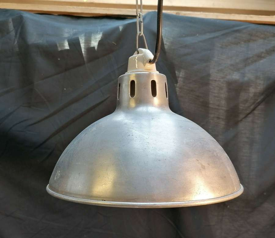 M1430 A RECLAIMED HANGING ALUMINIUM LAMP / INDUSTRIAL STYLE LIGHT