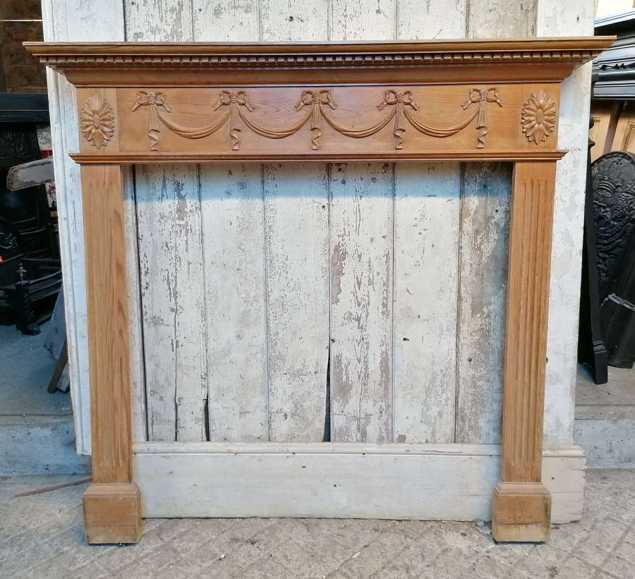 FS0134 DECORATIVE RECLAIMED VINTAGE CARVED PINE FIRE SURROUND C.1950