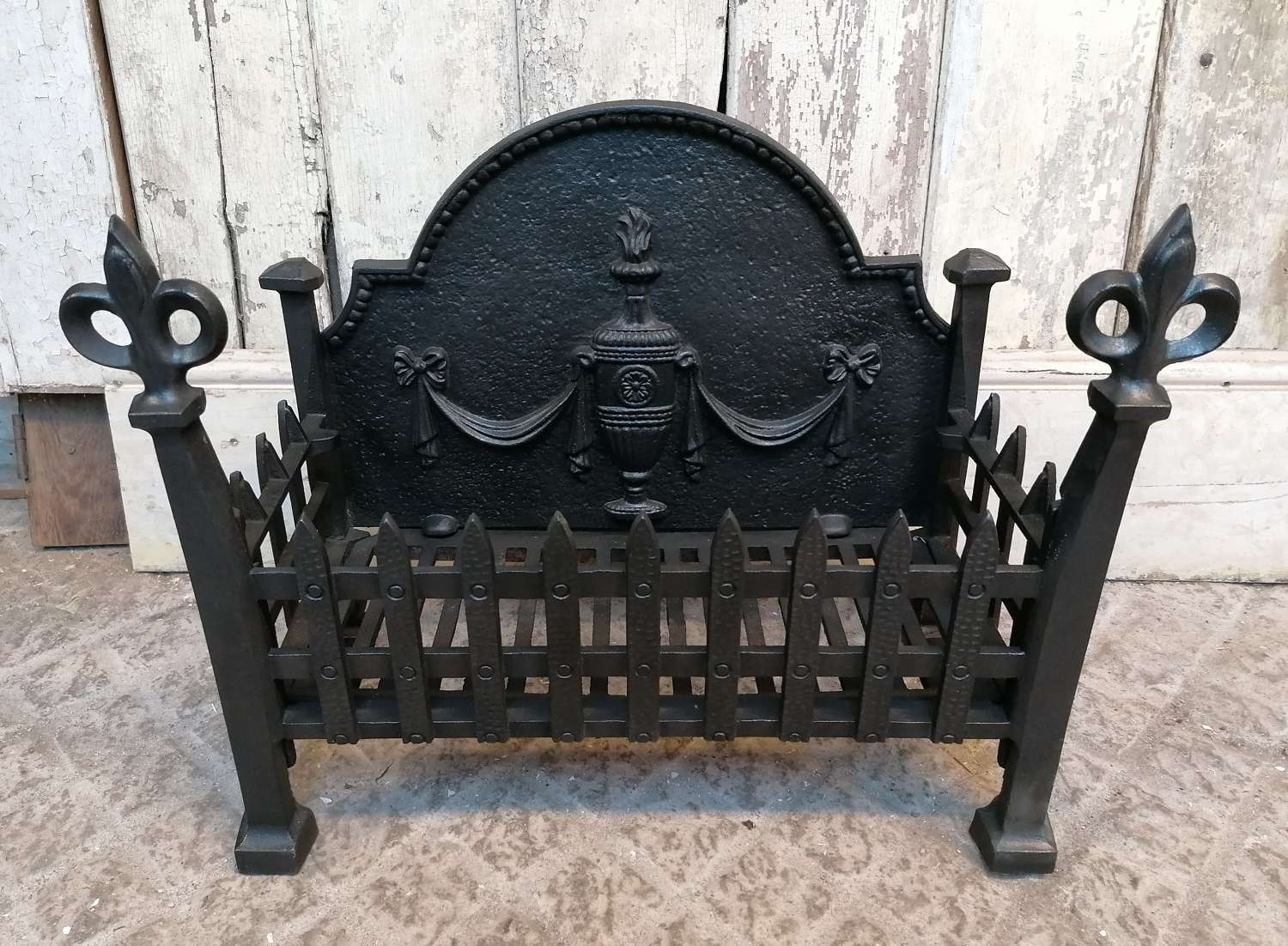 FB0059 PRETTY RECLAIMED ADAM STYLE REPRODUCTION CAST IRON FIRE BASKET