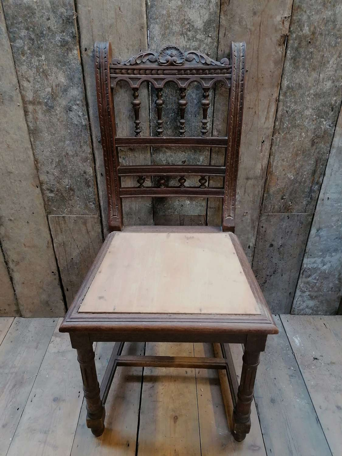 M1443 A SET OF 4 EARLY EDWARDIAN CARVED OAK CHAIRS