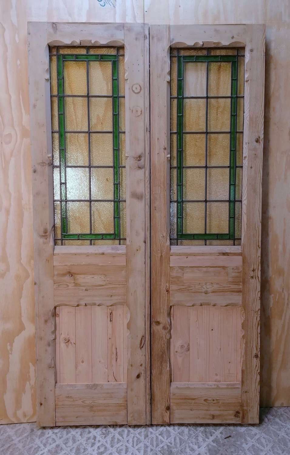 DP0301 PAIR OF BEAUTIFUL PINE VICTORIAN DOORS WITH STAINED GLASS