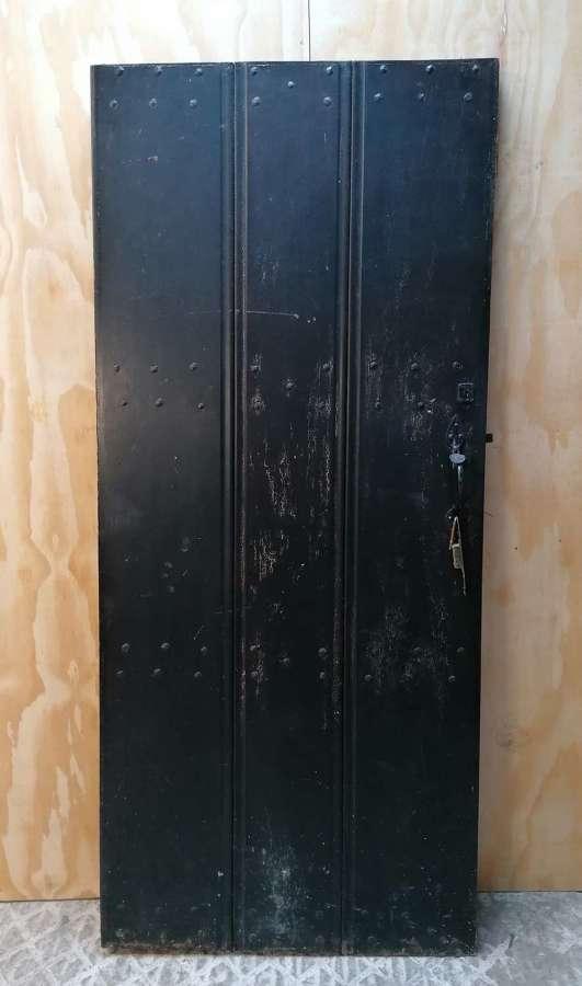 DB0687 A RECLAIMED MAHOGANY INTERNAL / EXTERNAL PLANK DOOR