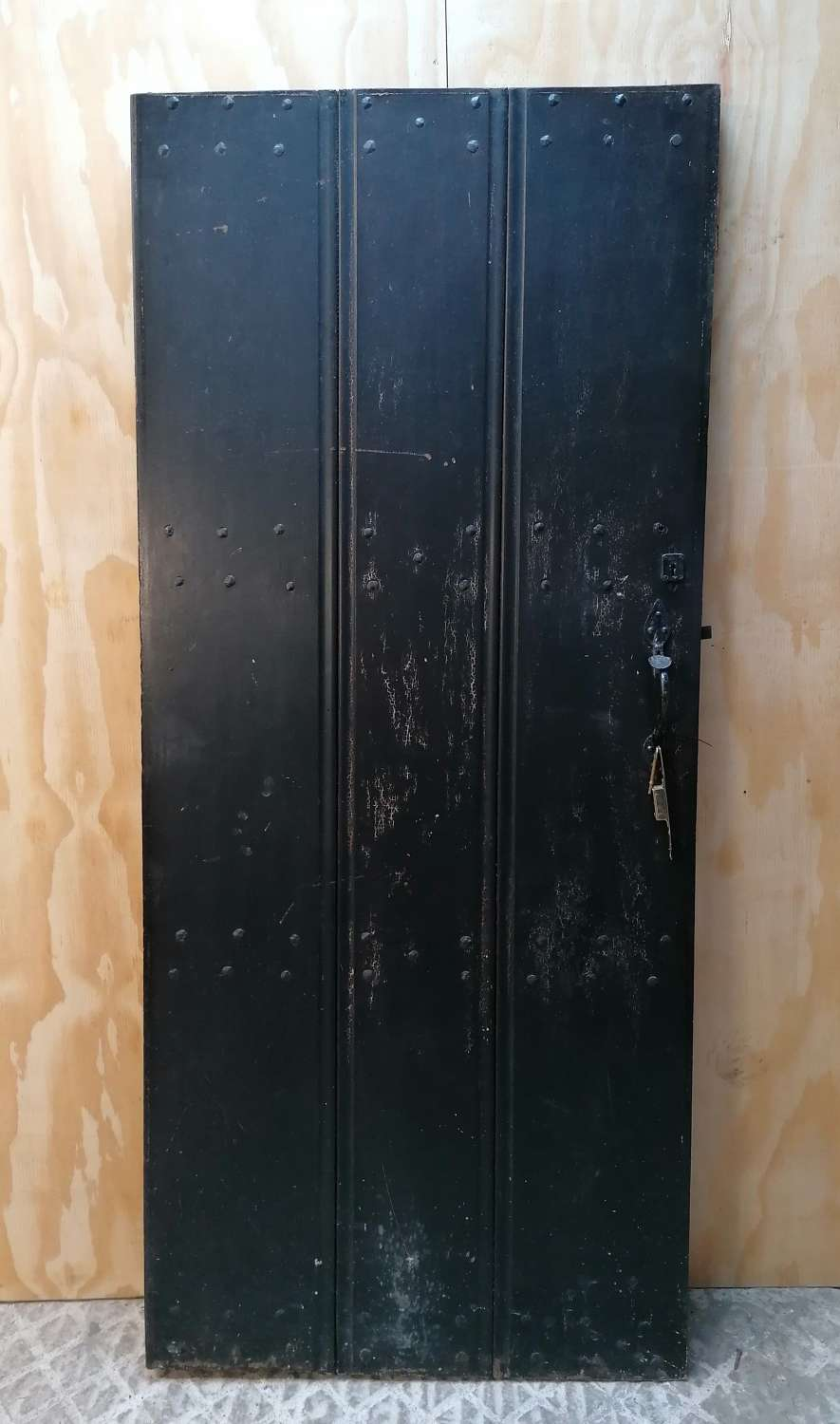 DB0687 A RECLAIMED MAHOGANY INTERNAL / EXTERNAL PLANK DOOR