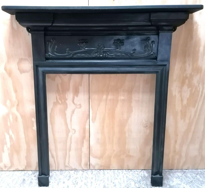 FS0139 ANTIQUE EDWARDIAN CAST IRON FIRE SURROUND WITH OAK MANTEL