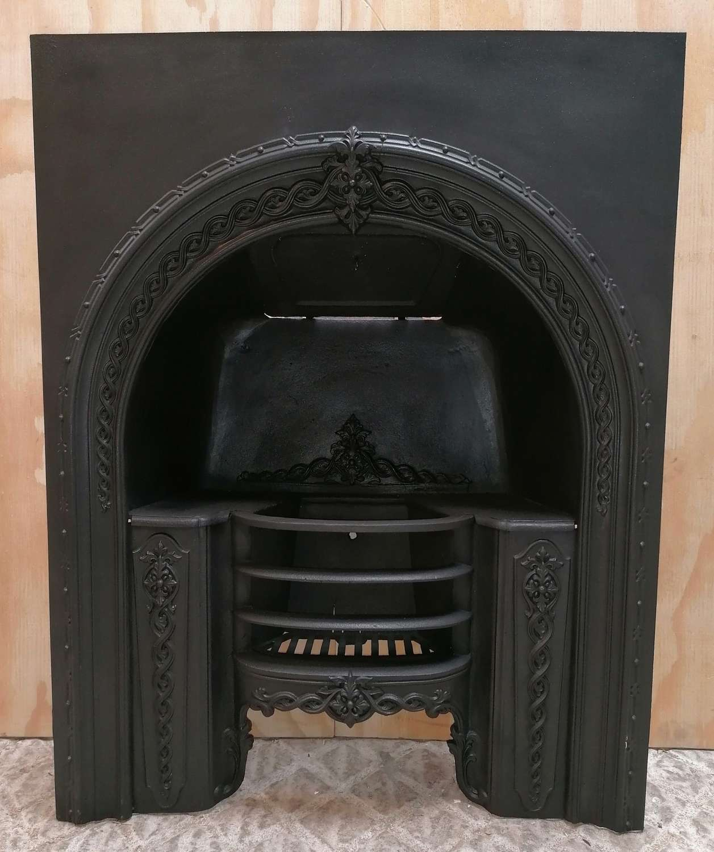 FI0051 A GEORGIAN / EARLY VICTORIAN CAST IRON HOBGRATE FIRE INSERT