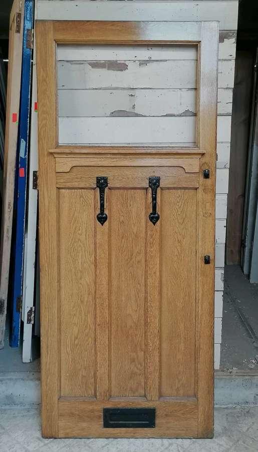 DE0889 A RECLAIMED ARTS AND CRAFTS OAK FRONT DOOR FOR GLAZING