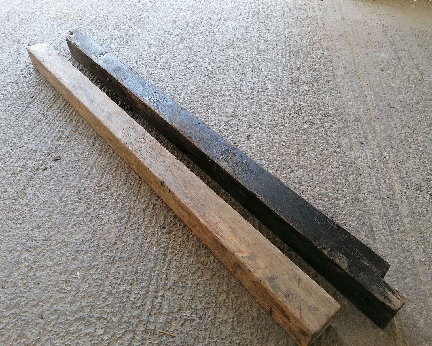 M1477 TWO RECLAIMED HARDWOOD POSTS / GATE POSTS EACH OVER 8FT LENGTH