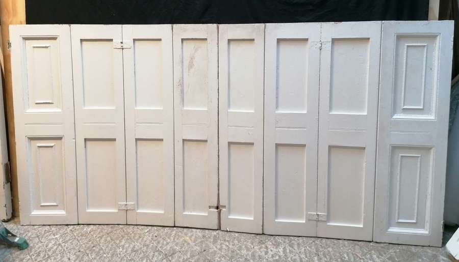 CS0045 A LARGE RECLAIMED PAINTED PINE SET OF 8 SHUTTERS