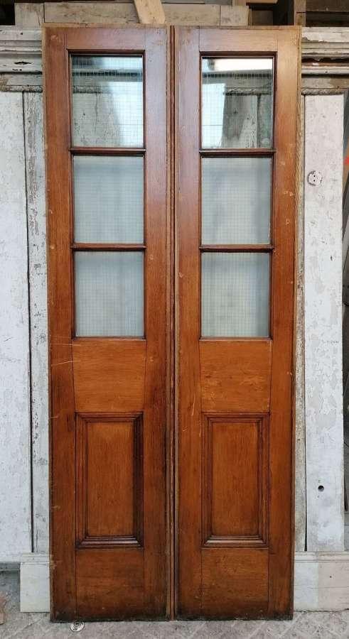 DP0327 A PAIR OF RECLAIMED OAK INTERNAL / EXTERNAL GLAZED DOORS