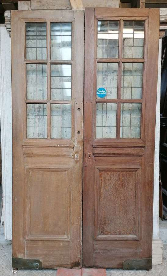 DP0330 PAIR OF RECLAIMED EDWARDIAN OAK INTERNAL /EXTERNAL GLAZED DOORS